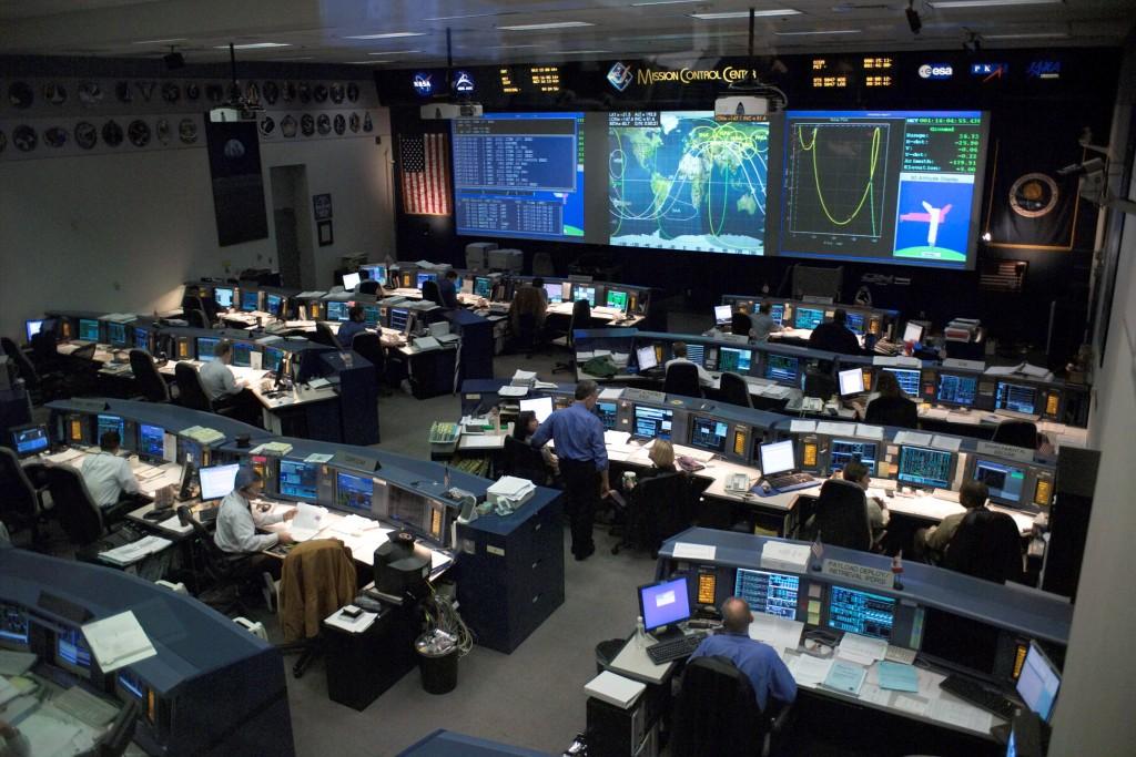 La salle de contrôle des vols spatiaux de la Nasa en 2005 (Nasa).
